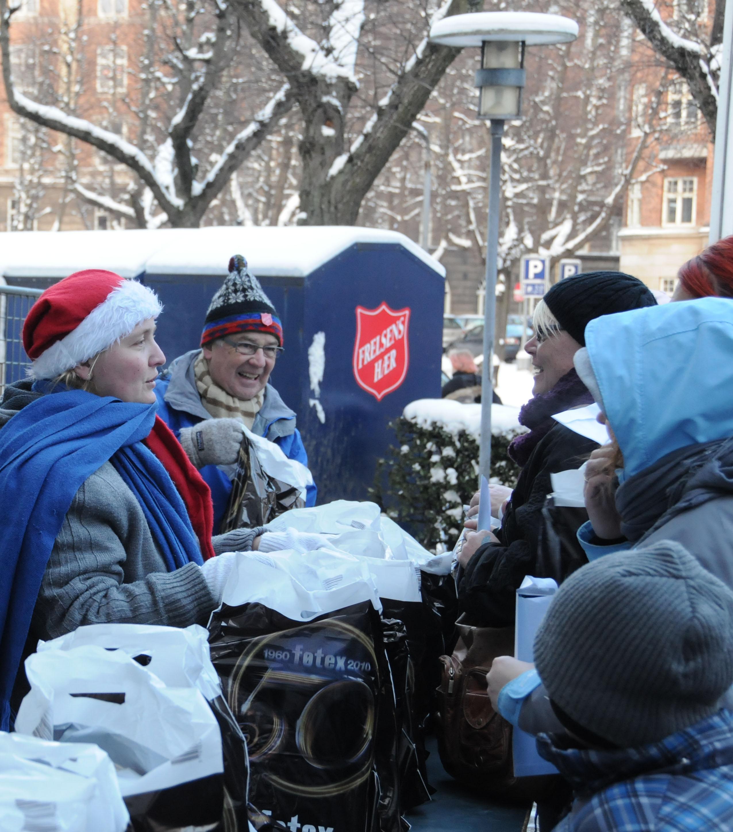 Frelsens Hær - uddeling af julehjælp