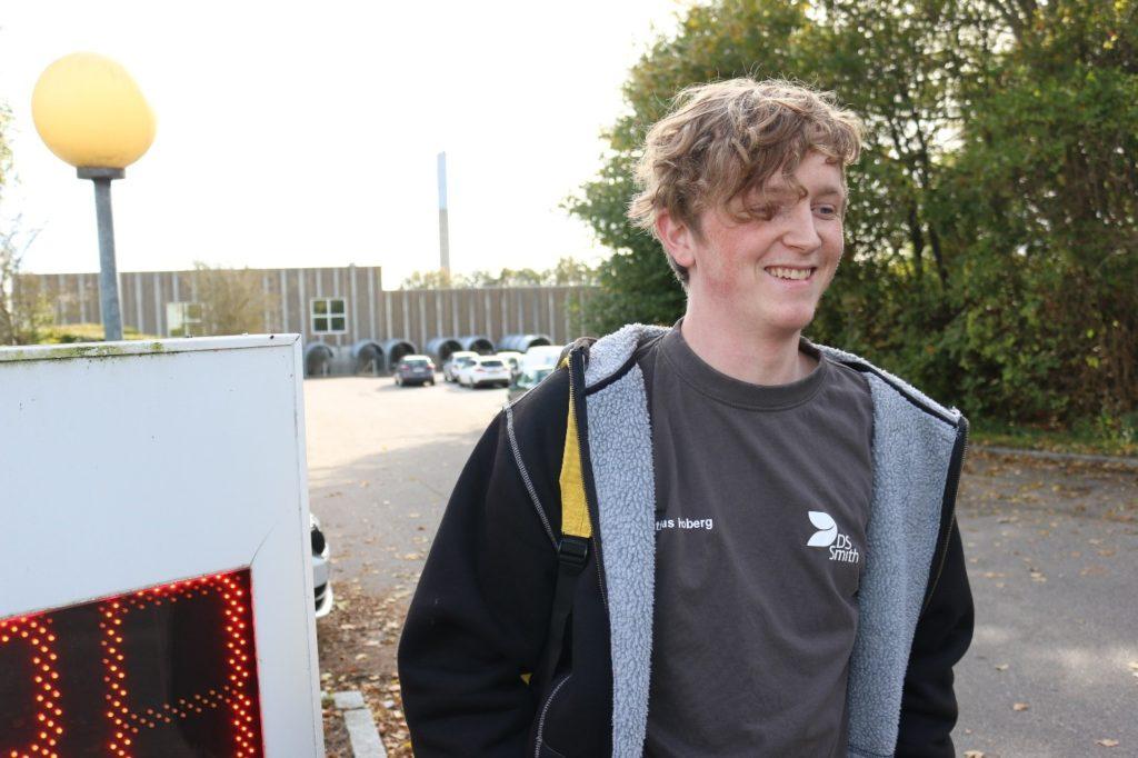 DS Smith er et rart sted at være, det er et rart sted at finde ud af, hvad jeg skal blive, siger 21-årige Mathias. Foto: Poul Due Jensens Fond