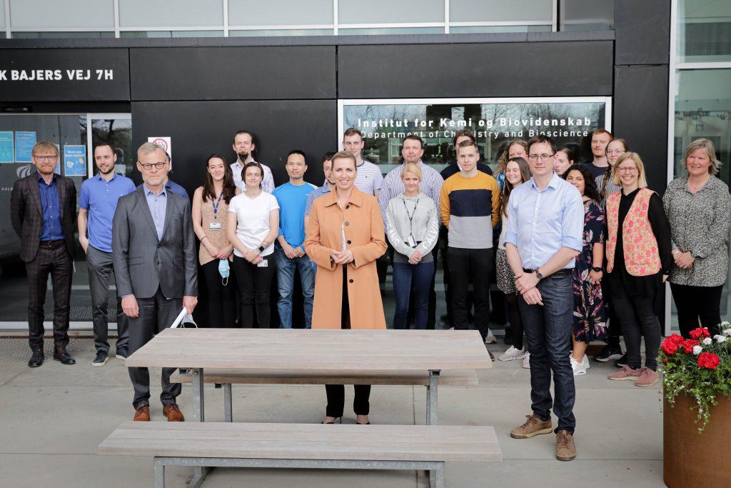 Statsminister Mette Frederiksen besøger Aalborg Universitet - gruppebillede