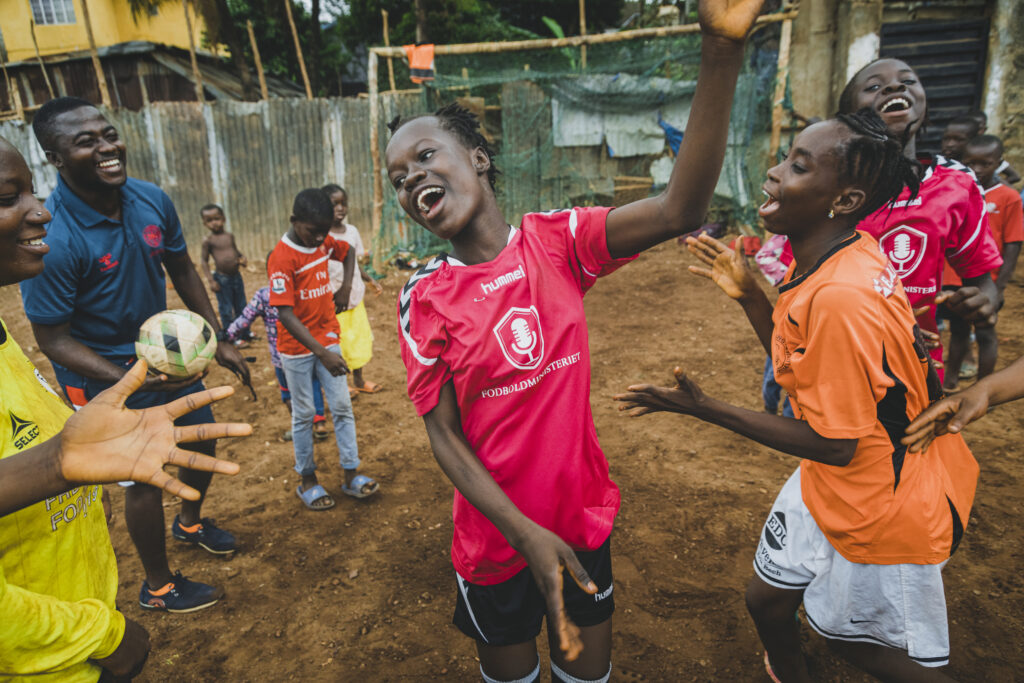 FANT works to improve life opportunities for young people in Ghana and Sierra Leone.